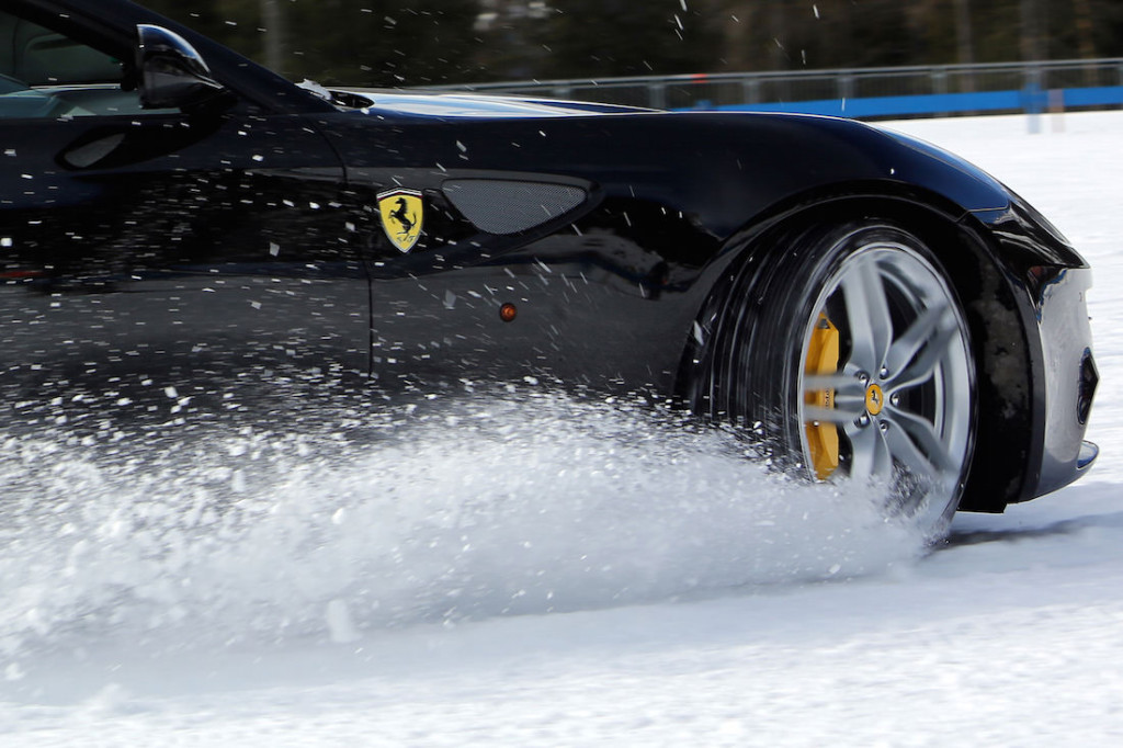 ferrari-ff-snow-test-7 (1)